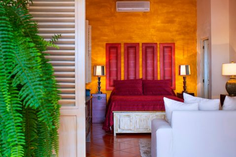 suites-02-rojo-1
